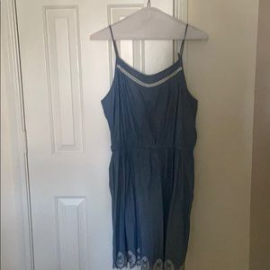 CLEARANCE: Blue sleeveless dress w/embroidered